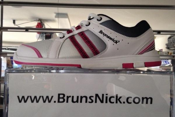 Brunswick Sienna White/Black/Hot Pink